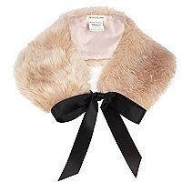 Light pink faux fur collar