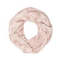 Light pink faux fur snood
