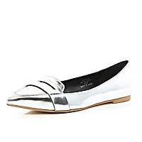 Silver metallic point toe loafers