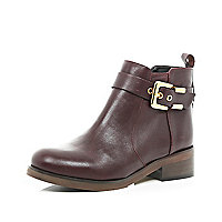 Dark red buckle trim ankle boots