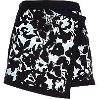 Black floral print skort