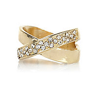 Gold tone encrusted kiss thumb ring