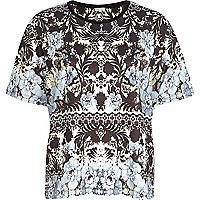 Black textured floral print t-shirt