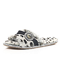 Grey leopard faux fur mule slippers