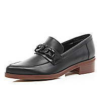 Black chain trim point loafers