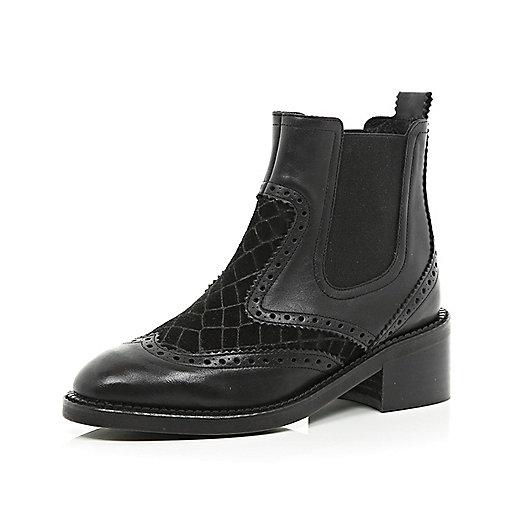Black contrast panel Chelsea boots