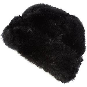 Black faux fur beanie hat