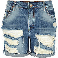 Light ripped Ultimate Boyfriend denim shorts