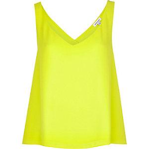 Lime wrap back vest