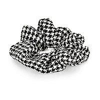 Black dogtooth scrunchie