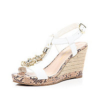 White metal trim T bar raffia wedges