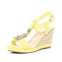 Lime metal trim T bar raffia wedges