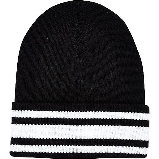 Black and white stripe trim beanie hat