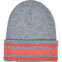 Grey stripe trim beanie hat