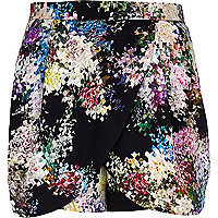 Black pixelated floral print skort