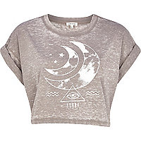 Light brown burnout moon print crop t-shirt