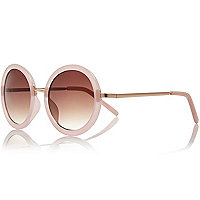 Light pink round sunglasses