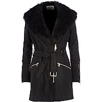 Black faux fur collar leather-look jacket