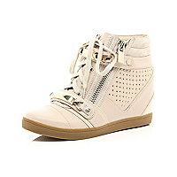 Light pink stud hidden wedge hi-tops
