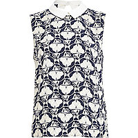 Blue petal print contrast collar shell top
