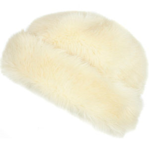 Cream faux fur beanie hat