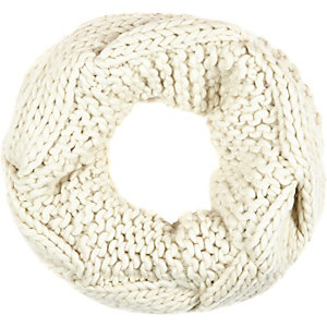 Cream chunky cable knit snood