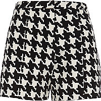 Black and white dogtooth shorts