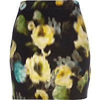 Black blurred floral print mini skirt