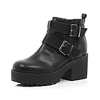 Black buckle trim chunky sole ankle boots