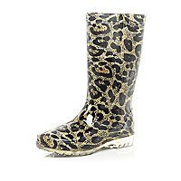 Brown leopard print wellies