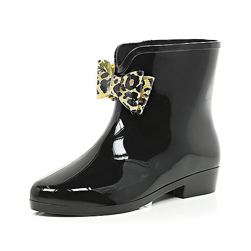 Black bow trim ankle boot wellies