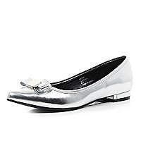 Silver bow front pointed ballet pumps