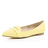 Lemon point toe loafers