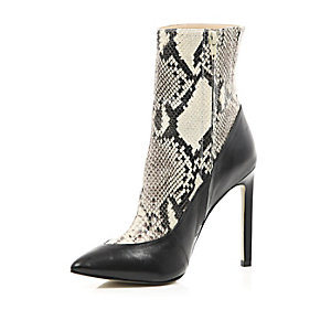 Grey 5 Inch & Up snake print boots