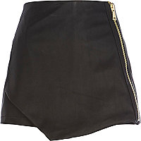 Black leather-look skort