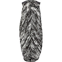 Black and white print cocoon dress