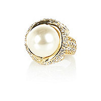 Gold tone large pearl ring