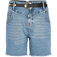 Mid wash belted denim Mom shorts