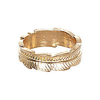 Gold tone leaf thumb ring