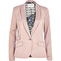 Pink fitted tailored blazer