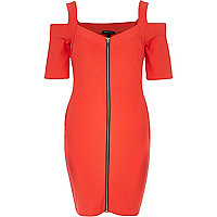 Red zipped shoulderless bodycon dress