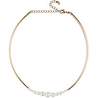 Gold tone short pearl necklace