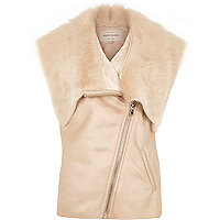 Pink sleeveless leather-look faux fur gilet