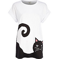 White cat print t-shirt