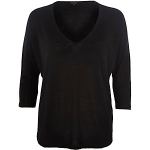 Black V-neck pocket top