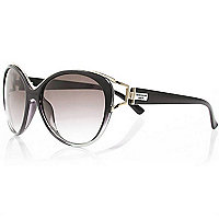 Black glamorous cat eye sunglasses