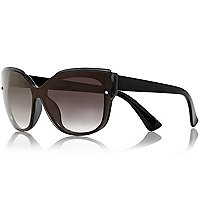 Black basic flat brow square sunglasses