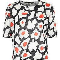 Black floral print boxy t-shirt