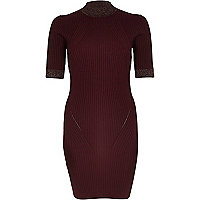 Dark red ribbed knitted dress