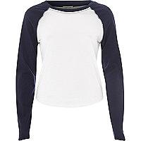Navy contrast sleeve raglan t-shirt